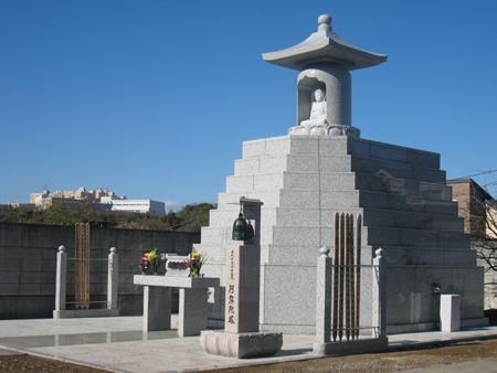 高蔵院様 合同墓苑『阿弥陀塔』